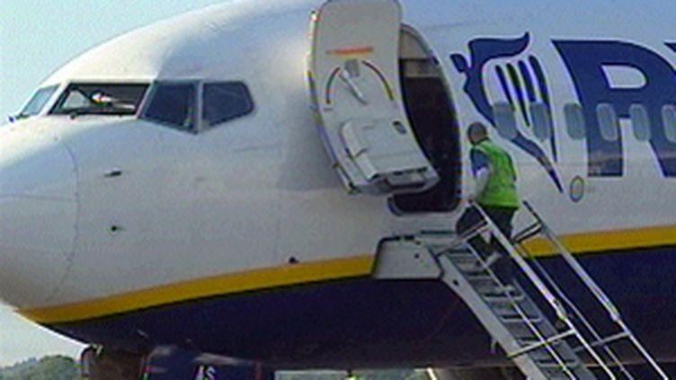 Ryanair se conformera au règlement européen pour rembourser ses clients.