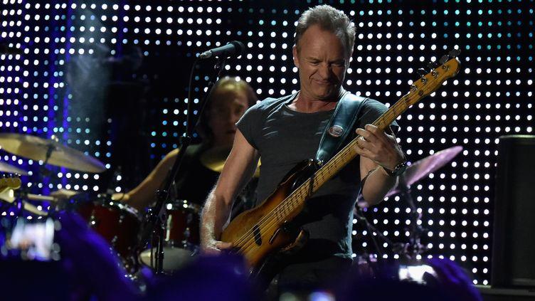 Le chanteur Sting lors d'un concert à New York le 9 novembre 2016 (THEO WARGO / GETTY IMAGES NORTH AMERICA)