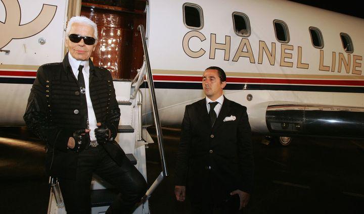 """Karl Lagerfeld a choisi un hangar à Santa Monica en Californie (Etats-Unis) pour présenter sa collection """"Croisières"""", le 18 mai 2007. (MARK MAINZ / GETTY IMAGES / AFP)"""
