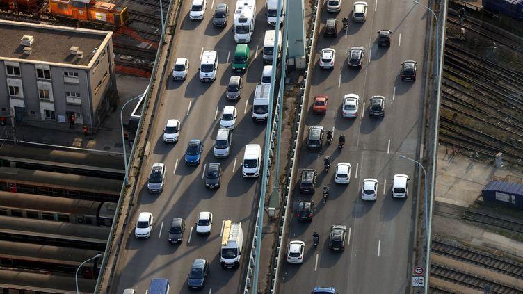 Un embouteillage à Paris, le 19 mars 2021. (MAXPPP)