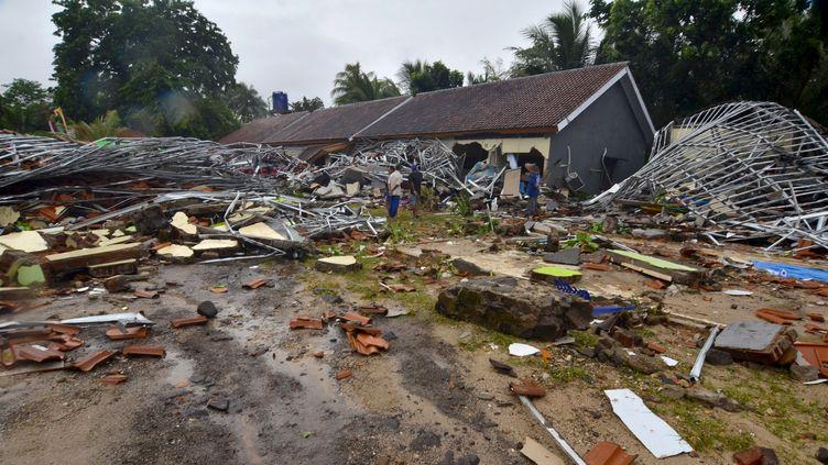 Des maisons ravagées par le tsunami, à Carita (Indonésie), le 23 décembre 2018. (RONALD / AFP)
