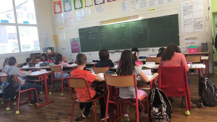 Le salaire des enseigants à nouveau controversé. (ISABELLE RIVIÈRE / FRANCE-BLEU POITOU)