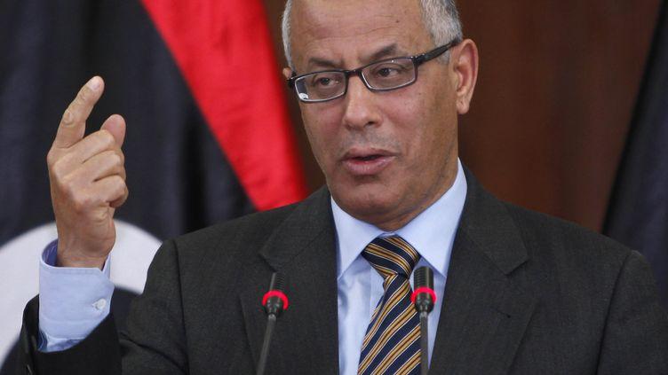 Le Premier ministre libyen, Ali Zeidan, lors d'une conférence de presse, le 3 janvier 2013 à Tripoli (Libye). (ISMAIL ZEITOUNI / REUTERS)