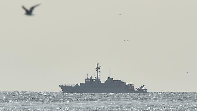 Un navire de la marine nationale au large du Havre (Seine-Maritime), le 8 mai 2019. (JEAN-FRANCOIS MONIER / AFP)