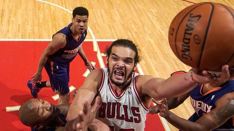 Joakim Noah (Chicago Bulls) (RANDY BELICE / NBAE / GETTY IMAGES)