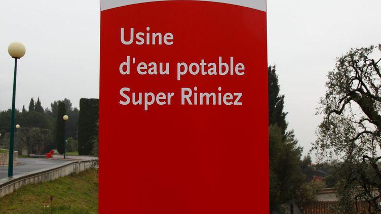 Une usine de production d'eau potable, le 23 mars 2010, à Nice (Alpes-Maritimes). (  MAXPPP)