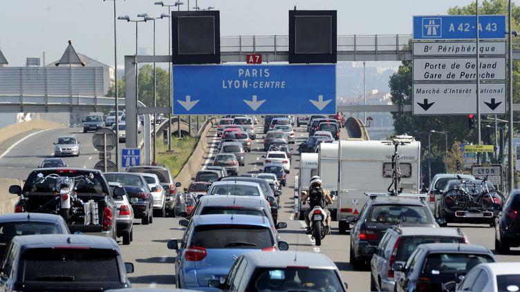 Embouteillage sur la A 7 le 20 2011 août au sud le Lyon. (PHILIPPE DESMAZES / AFP)