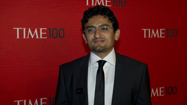 """Wael Ghonim, militant égyptien sur internet, lors de son arrivée au gala des """"100 personnalités les plus influentes du monde"""" de """"Time Magazine"""", le 26 avril 2011 à New York. (DON EMMERT / AFP)"""