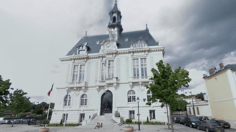 La mairie de Corbeil-Essonnes a été perquisitionnée, le 25 juin 2013. ( GOOGLE MAPS / FRANCETV INFO )