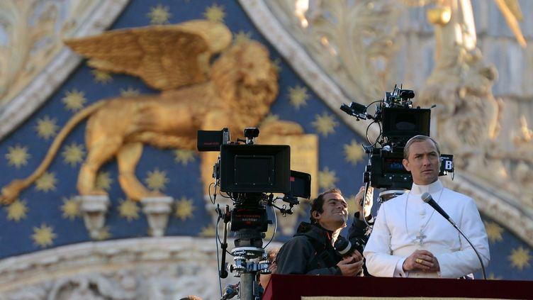 """Tournage du film """"The Young Pope"""" avec Judd Law, à Venise en janvier 2016  (IPA PRESS/SIPA)"""