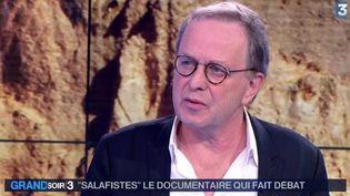"""François Maroglin, coréalisateur du documentaire """"Salafistes"""" invité le 26 janvier sur le plateau du Grand Soir 3  (Capture d'écran / France 3)"""