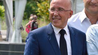 Eric Ciotti en campagne à Nice, le 2 juin 2017. (CITIZENSIDE / ERICK GARIN / AFP)