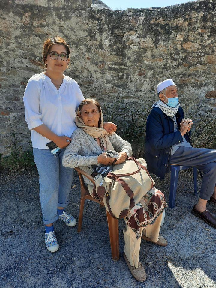 Fanoos, Afghane de 25 ans, footballeuse et ingénieureen génie civil, réfugiéeà Piriac-sur-Mer en Loire-Atlantique avec sa mère, le 5 septembre 2021. (AGATHE MAHUET / RADIO FRANCE)