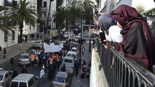 Manifestation à Alger, vendredi 13 mars 2019. (RYAD KRAMDI / AFP)