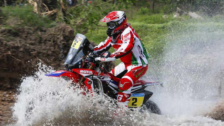 Paulo Goncalves a profité du déclassement de Joan Barreda pour remporter la 4e étape du Dakar (FLORENT GOODEN / DPPI MEDIA)