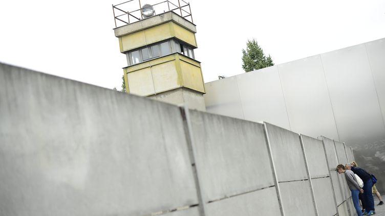 Le mémorial de Bernauer Strasse, à Berlin. (TOBIAS SCHWARZ / AFP)