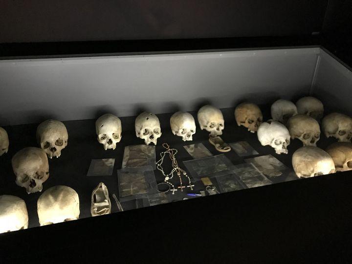 Les restes de plus de 250 000 victimes du génocide sont rassemblés dans le Mémorial de Kigali (JÉRÔME VAL / FRANCE-INFO)