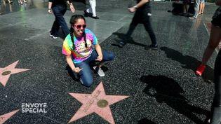 Vandaliser l'étoile de Trump sur Hollywood Boulevard tourne au sport national (FRANCE 2 / FRANCETV INFO)