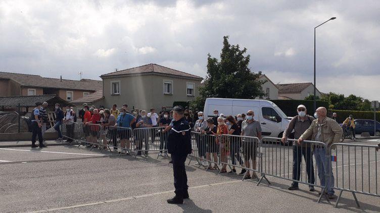 Le lycée hôtelier de Tain L'Hermitage, dans la Drôme, à 9h30 ce mardi matin, avant l'arrivée d'Emmanuel Macron.Un homme a giflé le chef de l'Etatà la mi-journée. (GUILLAUME FARRIOL/ FRANCE BLEU DROME ARDECHE)