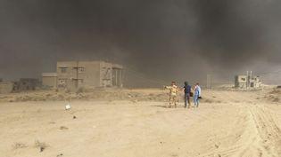 Sur la ligne de front, à quelques kilomètres seulement des combattants de Daech. (LAURENT MACCHIETTI / RADIO FRANCE)
