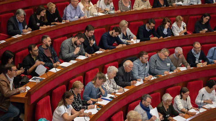 Les membres de la Convention citoyenne sur le climat, le 4 octobre 2019, à Paris. (MAXPPP)