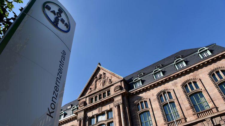 Le siège du groupe pharmaceutique allemand Bayer, à Leverkusen, le 8 setpembre 2016. (PATRIK STOLLARZ / AFP)