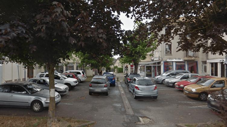 Capture d'écran Google Maps de l'allée Léon Serpollet à Fosses (Val-d'Oise), où Aymena sauvé deux enfants pris dans un incendie. (GOOGLE MAPS)