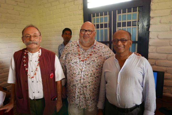 De gauche à droite : Eric Lavertu, ambassadeur de France au Sri Lanka, Michel Salaün, PDG de Salaün Holidays, et ChandraWickramasinghe, propriétaire d'hôtels et époux de Patricia (EMMANUEL LANGLOIS)