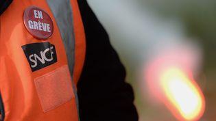 Les cheminots de la SNCF mènent une grève en pointillés depuis début avril. (JEAN-SEBASTIEN EVRARD / AFP)