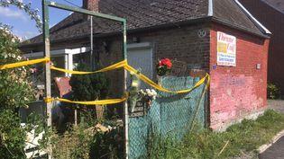 Le corps de Tom, 9 ans, a été découvert dans le jardin de cette maison, au Hérie-la-Viéville (Aisne). (MATHILDE GOUPIL / FRANCEINFO)