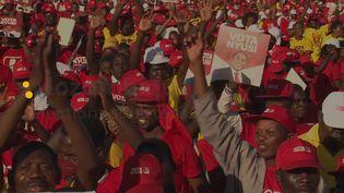 Le Mozambique élit mardi son président, ses députés et ses gouverneurs au terme d'une campagne électorale violente qui illustre les difficultés du régime au pouvoir depuis plus de quarante ans, englué dans la crise économique et les conflits armés. (France 24)