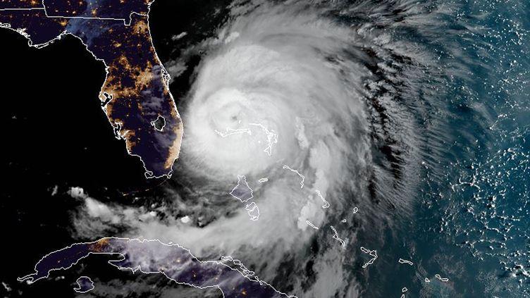 Image satellite de l'ouragan Dorian prise au-dessus des Bahamas le 3 septembre 2019. (NOAA / RAMMB / AFP)