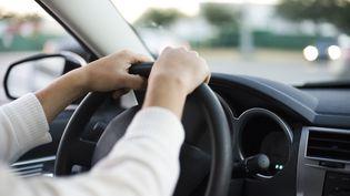 Conduire fatigué revient à conduire en état d'ébriété. C'est la conclusion d'une étude menée par des chercheurs américains. (Photo d'illustration) (ODILON DIMIER  / MAXPPP)