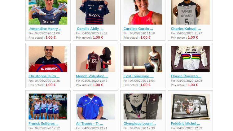 De nombreux objets appartenant à des sportifs sont en vente sur le site agorastore.fr, partenaire de la ville de Lyon dans cette opération. (AGORASTORE.FR)