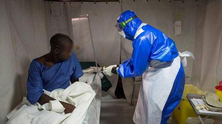 (A l'intérieur du centre de soins de Conakry © Service de santé des armées)
