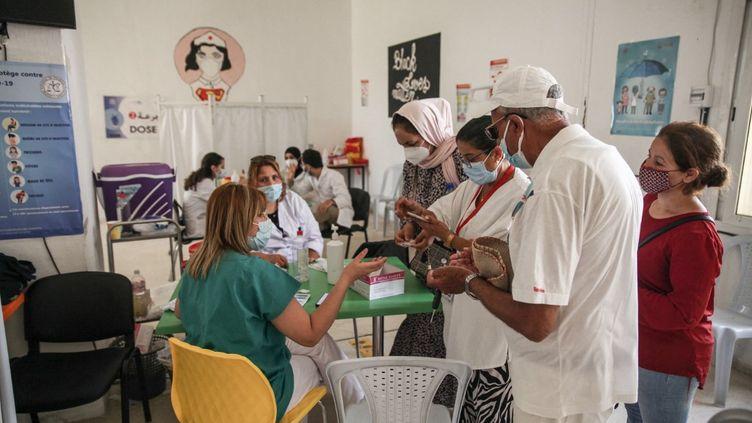 Centre de vaccination de la ville d'Ariana, près de la capitale Tunis, le 8 août 2021. (CHEDLY BEN IBRAHIM / NURPHOTO)
