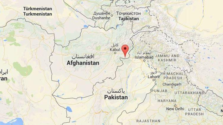 Le chef de l'Etat islamique en Afghanistan a été tué en même temps que 30 islamistes alors qu'ils étaient rassemblés le 10 juillet 2015 dans le district d'Achin de la province de Nangarhar. ( GOOGLE MAPS / FRANCETV INFO )