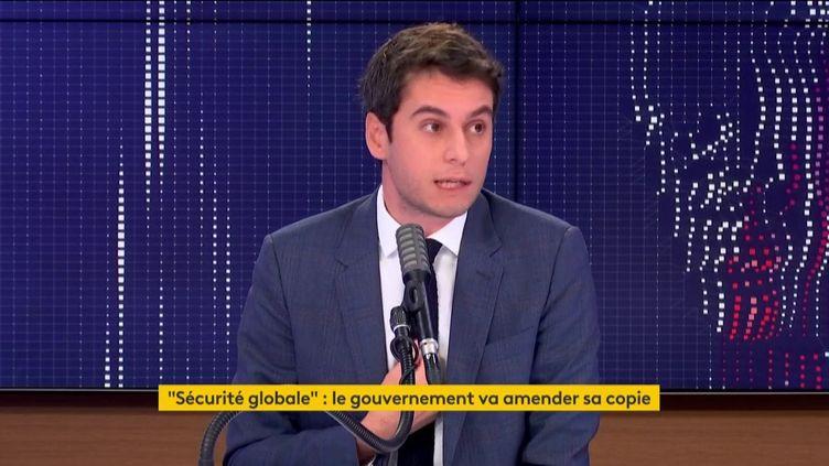 Gabriel Attal, le porte-parole du gouvernement, invité de franceinfo le 20 novembre 2020. (FRANCEINFO / RADIO FRANCE)