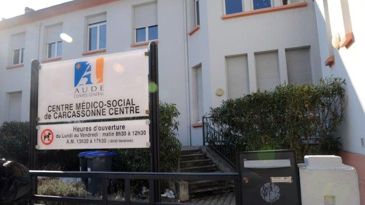 Le centre médico-social où une mère de famille suisse s'est immolée par le feu le 10 février 2012, à Carcassonne (Aude). (ERIC CABANIS / AFP)