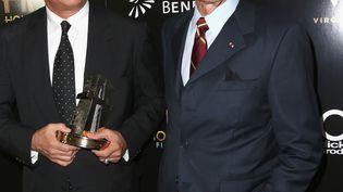 Tom Hanks et Clint Eastwood, le 6 novembre 2016, à Beverly Hills (Californie, États-Unis) (FREDERICK M. BROWN / GETTY IMAGES NORTH AMERICA / AFP)