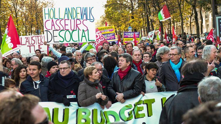 (Dans le cortège de la manifestation parisienne contre l'austérité et pour une alternative à la politique gouvernementale a l'appel des politiques et syndicats de gauche © Maxppp)