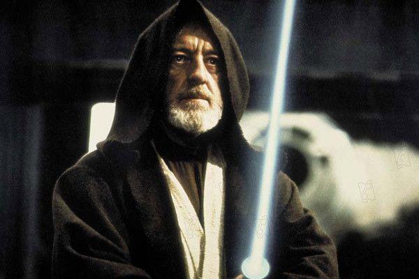 """Alec Guinness dans le rôle de Obi Wan kenobi dans """"Star Wars - Episode 4 : Un Nouvel espoir"""" de George Lucas. (TWENTIETH CENTURY FOX FRANCE)"""