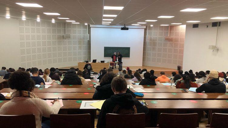 Des universités, comme celle de Cergy, font le choix de partiels en présentiel en décembre 2020. (ALEXIS MOREL / FRANCE-INFO)