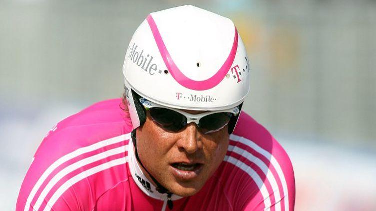 Jan Ulrich, ici sous le maillot de la T-Mobile, en 2006 (MICHEL KRAKOWSKI / BELGA)