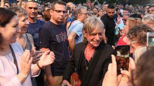 """Jean-Louis Aubert en concert à Hauterives (Drôme), dans le """"Palais idéal"""" du facteur Cheval, le 4 juillet 2019 (ST?PHANE MARC / MAXPPP)"""