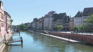 Strasbourg : le masque désormais obligatoire dans le centre (FRANCE 2)