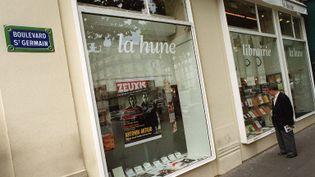 La devanture de la librairie La Hune, à Paris.  (MAXIMILIEN LAMY / AFP)