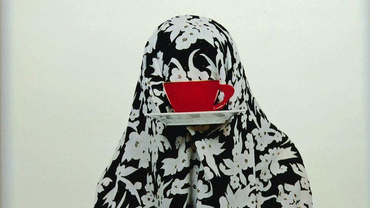 """Exposition """"L'amour récit d'Orient et d'Occident"""", avec des photos de l'artiste Shadi Ghadirian (France 3 Bretagne)"""