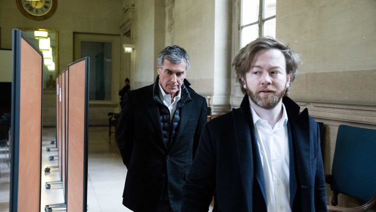 Maitre Antoine Vey, à droite, et son client Jérôme Cahuzac, à Paris le 19 février 2018. (MAXPPP)
