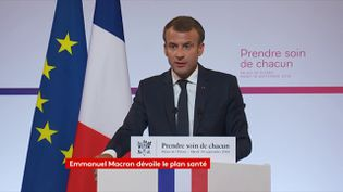Le président de la République, Emmanuel Macron, présente son plan santé au palais de l'Elysée, à Paris le 18 septembre 2018. (FRANCEINFO)